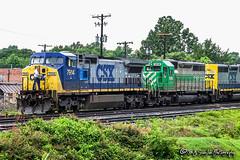 CSX 7914 | GE C40-8W | CSX Memphis Terminal Subdivision (M.J. Scanlon) Tags: memphis tennessee csx ge c408w chessie seaboard furx firstunionrail csx7914 furx3036 co7507 emd sd402 coxstreet csxmemphisterminalsub digital freight transportation merchandise commerce business wow haul outdoor outdoors move mover moving scanlon canon eos unit engine locomotive rail railroad railway train track horsepower logistics steelwheels