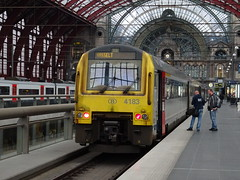 NMBS/SNCB @ Antwerpen Centraal (Sim0nTrains Photos) Tags: nmbssncb sncb nmbs class41 dieselmultipleunit alstom dmu nmbsclass41 sncbclass41 4183 antwerpencentraal antwerpencentraalstation antwerpencentraalrailwaystation antwerpcentral