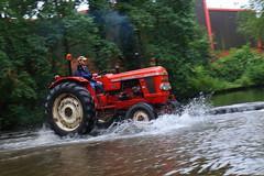 IMG_0430 (Yorkshire Pics) Tags: 1006 10062017 10thjune 10thjune2017 newbyhalltractorfestival ripon marchofthetractors marchofthetractors2017 ford fordcrossing river rivercrossing tractor tractors farmingequipment farmmachinery agriculture yorkshire northyorkshire