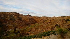 pretty Makoshika (ekelly80) Tags: montana makoshikastatepark june2017 summer roadtrip keisgoesusa badlands glendive geology scenery hike trail beautiful rocks rocky rockformations hills mountains view valley overlook layers colors