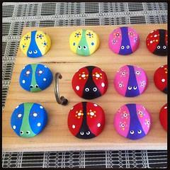 Lady bugs (Gatos y Corazones) Tags: bugs ladybug catarina art craft artesania arte poliester politec imanes magnets gift luck suerte regalo amistad