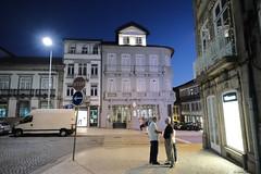 FXT16056 (Enrique Romero G) Tags: portugal guimaraes hotel emaj largo toural noche nocturna night fujitx1 fujinon1024