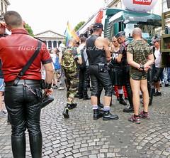 """bootsservice 17 1600434 (bootsservice) Tags: paris """"gay pride"""" """"marche des fiertés"""" 2017 bottes cuir boots leather sm motards motos motorcyclists motorbiker caoutchouc rubber uniforme uniform"""