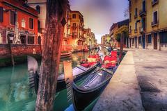 Gondola Hearts (Radek Lokos Fotografie) Tags: venedig veneto venezia italia italy tialian isle heart boat water outside sunset sanmarco