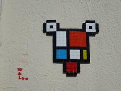 Waldo / copycat de Space Invader (Archi & Philou) Tags: spaceinvader copycat pixelart streetart paris13 mosaïque mosaic carreau tiles