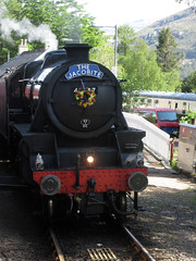 Passing at Glenfinnan (Jelltex) Tags: scotland jelltex jelltecks black5 glenfinnan