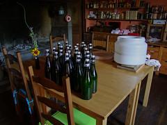 Embouteillage (Grand-Pappà...) Tags: bière fabricationmaison auvergne lobeç margeride marjarida massifcentral hauteloire hautesterres humour jeudemot