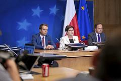 Posiedzenie Rady Europejskiej (drugi dzień) (Kancelaria Premiera) Tags: v4 euco radaeuropejska ue francja premier beataszydło