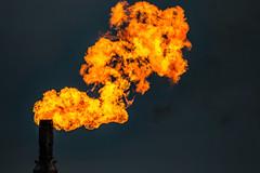 Gas flare (betadecay2000) Tags: oil refinery gas flare gass fackel gaz industral industrie abend abendstimmung fire vuur brand brennen abfackeln feuer flamme flame flammen flames lingen niedersachsen ems emsland raffenerie