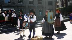 18-06-17 040 (Jusotil_1943) Tags: 180617 asturianos asturianas gaita tambor escenas urbanas oviedo