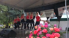 WP_20170625_10_20_11_Pro (misi212) Tags: yoga etka dance group szoreg rose festival 2017