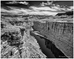 The Colorado River at the Navajo Bridge (claudiov958) Tags: arizona biancoenero blackwhite blancoynegro černýabílý chwarzundweiss claudiovaldés coloradoriver czarnyibiały mediumformat mediumformatdigital monochrome mountains navajobridge ngc noiretblanc pentax645z pentaxart photoka pretoebranco черноеибелое hdpentaxda6452845mmf45edawsr