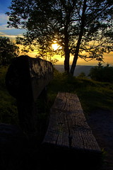 Un banc... (jamesreed68) Tags: donon canon eos 600d 67 basrhin paysage nature coucher soleil france grandest banc arbre