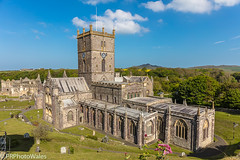 St Davids Cathedral (PRPhoto-Wales) Tags: pembrokeshire stdavids wales bishop bluesky cathedral church city clouds flowers gravestones green palace peaceful tranquil woodland woods