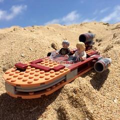 Landspeeder (socalbricks) Tags: lego toy landspeeder starwars legostarwars obiwan obiwankenobi skywalker lukeskywalker tatooine beach photography legophotography minifigures minifigs