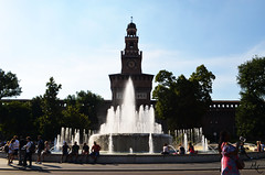 Castello Sforzesco (Megan Cuccu) Tags: history museum catedral duomo italy tourism castillo castle fuente water