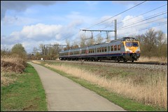 NMBS SNCB MS80 AM80 387 Zichem 21032017 (W. Daelmans) Tags: nmbs sncb am80 ms80 break 387