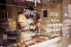 Chelsea (Miranda Benlliure) Tags: autumn warmcolors new york city caffé chelsea newark cafe bakery