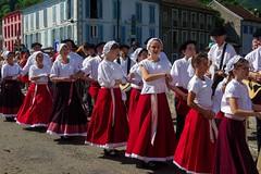 Transhumance en Haut-Salat (Ariège) (PierreG_09) Tags: fête tradition transhumance folklore groupefolklorique seix ariège pyrénées pirineos couserans hautsalat midipyrénées occitanie