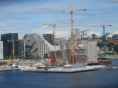 Oslo Harbor - the new Munch Museum under construction (cohodas208c) Tags: oslo harbor constructioncranes underconstruction munchmuseum bjørvika