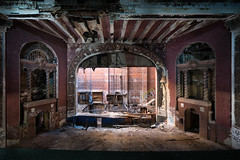 State of the art (_soliveyourlife_) Tags: theatre abandonedtheatre abandoned abandonedplaces decay decline explore forgottenplaces urban exploring