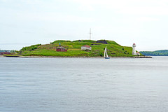 DSC07889 - George's Island (archer10 (Dennis) 101M Views) Tags: halifax harbour island sony a6300 ilce6300 18200mm 1650mm mirrorless free freepicture archer10 dennis jarvis dennisgjarvis dennisjarvis iamcanadian novascotia canada georgesisland lighthouse fort