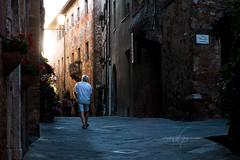 YDDAD S'DEMON (Diego Pianarosa (aka Pinku)) Tags: diegopianarosa pinku street pienza valdorcia urban man light luce