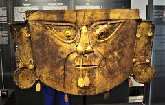 """Funerary mask - gilded copper (600 AD) - from Peru / Perù, Lambayeque culture - """"The World that wasn't there / Pre-Columbian art in the Ligabue Collections"""" - Temporary Exhibition, up October 30, 2017 - Naples, Archaeological Museum (Carlo Raso) Tags: funerarymask gildedcopper peru perù lambayequeculture precolumbianart ligabue naples archaeologicalmuseum"""