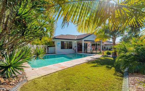 3 Lady Beatrice Ct, Yamba NSW 2464