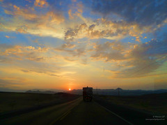 ocaso en la carretera_0523 (Marcos GP) Tags: marcosgp ica nazca carretera route higway camion truck ocaso sunset atardecer
