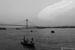 17-04-20 India-Orissa Kolkata (160) R01 BN (Nikobo3) Tags: asia kolkata calcuta río ríohugli social travel viajes nikon nikond610 d610 nikon247028 nikobo joségarcíacobo flickrtravelaward ngc agua puentes