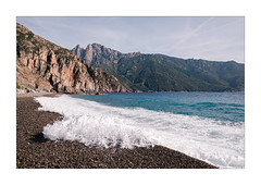 La Corse 005 Bussaglia (wideness) Tags: 16mm 2017 bussaglia corse corsica felsen france frankreich fujifilm fujifilmxt2 fujinon fujinon16mmf14rwr gischt hügel juni kallisté kies korsika küste küstenlinie meer mittelmeer rebeccalilylrpreset reise strand ufer wasser xt2 beach coast coastline hill june mediterranean pebbles rocks sea shore spray travel travelling water wave welle