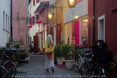 woman (Cristian Ferronato) Tags: caorle vacanza venezia venice holidays doyoulikemyphoto dylk street streetphoto streetphotography donna woman