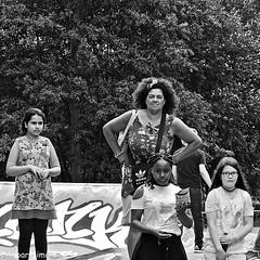 The Spectators... (Akbar Simonse) Tags: denhaag thehague agga haag lahaye sgravenhage holland netherlands nederland people candid streetphotography streetshot straatfotografie straatfoto zwartwit bw blancoynegro bn monochrome vierkant square akbarsimonse woman children kids