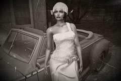 The Roaring Twenties (NefrytkaResident) Tags: nefrytka women girl car maitreya hat sl secondlife firestrom theroaringtwenties 20 s 20th
