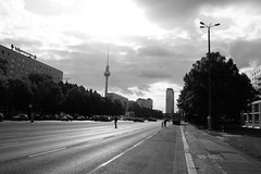 G70_8949 (rainer B.) Tags: blackandwithe berlin city karlmarxallee fernsehturm tower televisiontower streetphotography