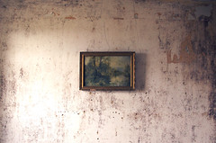 Maison Rouf Rouf / Sprimont (jlnljnphotography) Tags: empty abandoned urbex wall retro old rusty decay dark dirty roufrouf house belgium
