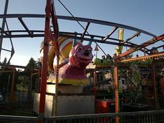 2017-06-17-9695 (vale 83) Tags: amusement park nokia n8 friends pančevo serbia coloursplosion colourartaward flickrcolour thefunhouse