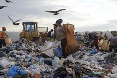 Fotos produzidas pelo Senado (Senado Federal) Tags: bie lixo resíduossólidos entulho reciclagem lixãodaestrutural políticanacionalderesíduossólidos brasília df brasil bra
