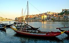 Rabelos (vmribeiro.net) Tags: bandeira geo:lat=4113871817 geo:lon=861045957 geotagged portugal prt vilanovadegaia porto vila nova gaia rabelos sony a350