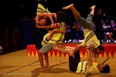 CIRQUE-ELECTRIQUE.FR_0175 (Mixatom) Tags: cabaret kabaret cirque circus zirkus circo acrobates acrobat akrobat théatre contorsion contorsionniste contortion contortionist handstand equilibrist cyrwheel rouecyr juggling jonglerie jongleur juggler gymnastique gymnastic gymnaste gymnast aerialsilks trapeze cordelisse rope tissu