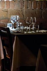 Ristorante San Desiderio (GloriaPlebani) Tags: allinterno luce ombra bicchieri tavolo sedia posate tovaglia restaurant light shadow table cloth cutlery glasses cibo piatti food dishes