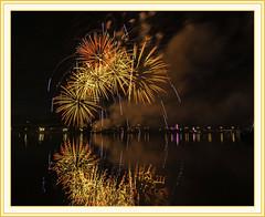 Bay City Fireworks - 2017 (TAC.Photography) Tags: fireworks firework baycity 4thjuly orange framed photograph tacphotography tomclarkphotographycom tomclark