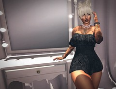 Queen (lndya and Leeaker) Tags: lfe romper necklace isuka quinntattoo vintagefair