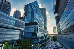 City Center, Downtown Miami. (Aglez the city guy ☺) Tags: downtownmiami downtown colors city cityscapes architecture afternoon outdoors perspective dynamicperspective walking walkingaround