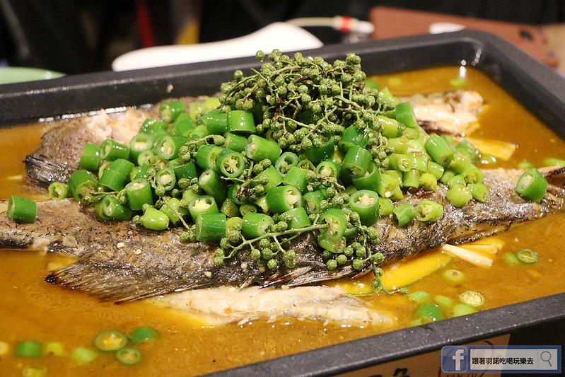 中國大陸人氣烤魚登台探魚台中公益店084