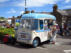 Trinity Fair, Rayleigh, Essex (Steven K. Hearn) Tags: icecreamvans events fairs trinityfair rayleigh essex england vans commercialvehicles morrisjtype piccadillywhip
