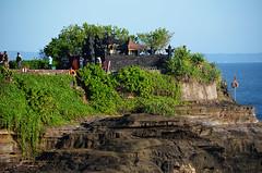 Bali_TanahLot_05 (chiang_benjamin) Tags: bali indonesia tanahlot temple beach ocean coast sea sunset dusk cliff