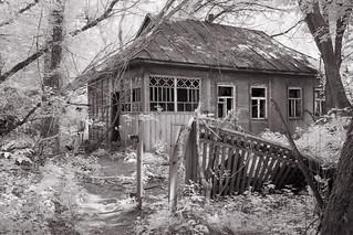 Dilapidated dacha, Chernobyl