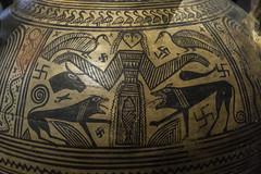 "Boeotian Pottery – The Mistress of the Animals (egisto.sani) Tags: atene man museoarcheologiconazionale vasi ""pithos amphora"" ""anfora pithos"" artemis artemide ""potnia theron"" ""boeotian pottery"" ""ceramiac beota"" ""greek ""ceramica greca"" ""arte creca"" ""greek art"" ""late geometrical period"" ""periodo tardo geometrico"" ""lg beozia boeotia thebes tebe athens ""national archaeological museum"" ""museo archeologico nazionale"" nm 200"